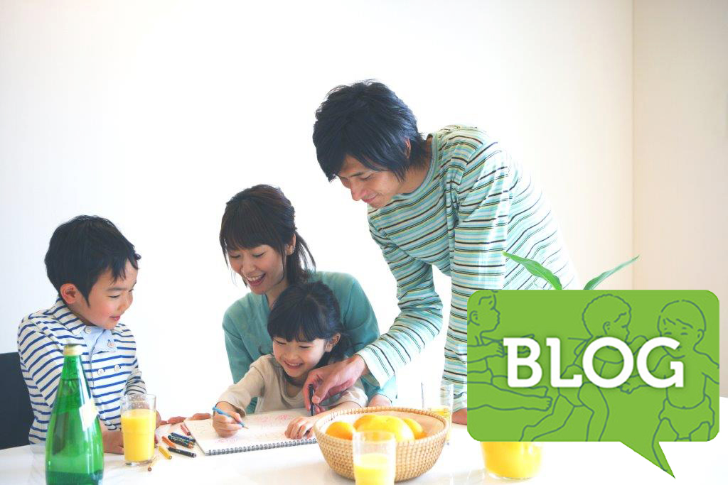 family_coloring_at_dinner_table_BLOGicon