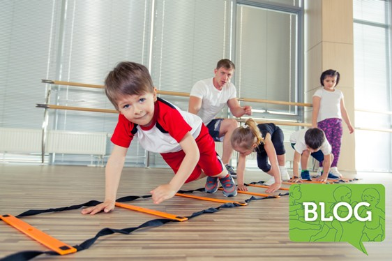 happy_sporty_children_in_gym_ICON