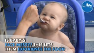 letting_baby_play_with_food
